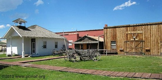 Old Montana Prison Complex : Schoolhouse in Cottonwood City