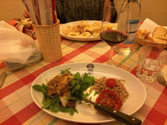La Taverna dei Fori Imperiali : Les calamars frits et l'escalope marsala