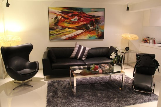 BYD Lofts Boutique Hotel & Serviced Apartments: Living Room
