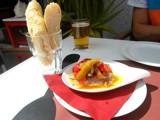 Vino + Lanzarote: Fish, peppers, olive oil and fresh bread