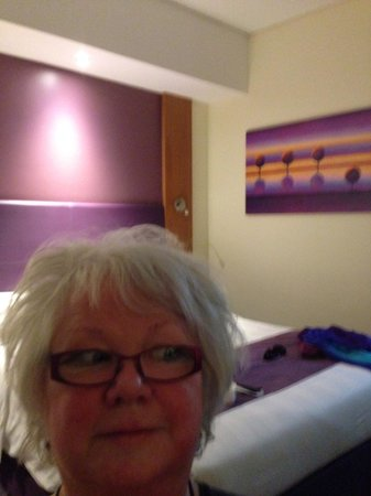 Premier Inn Dubai Silicon Oasis Hotel: Standard.room with comfy bed!