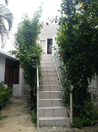 Negril Palms Hotel: STAIRS TO GO UP TO ROOM