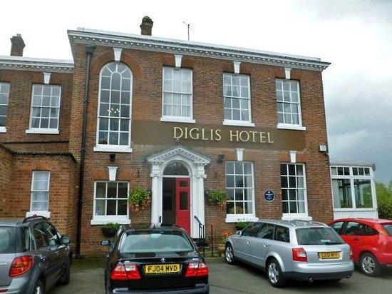 Diglis House Hotel: Handsome Georgian facade of hotel