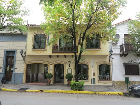 Hotel La Candela: view of front of hotel from across the street