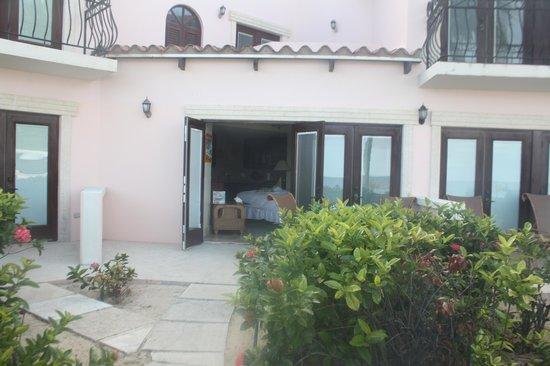 Frangipani Beach Resort : room