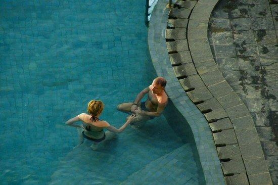 Aryaduta Manado : Swiming Pool
