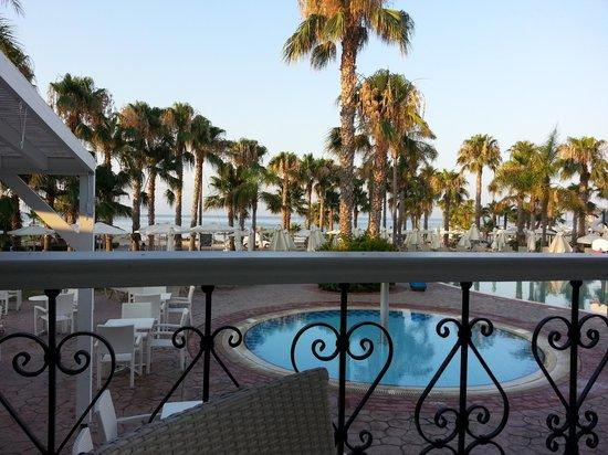 Anastasia Beach Hotel : with a cocktail