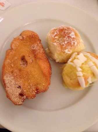 Olinda Rio Hotel: Breakfast sweet breads