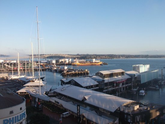 Copthorne Hotel Auckland HarbourCity: View towards Viaduct