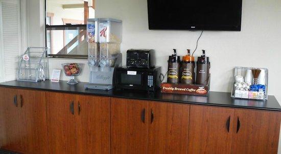 Super 8 Fort Bragg: Super Start Breakfast