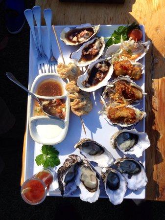 Get Shucked Oyster Bar : Mixed platter   ildefonsogdoc.com