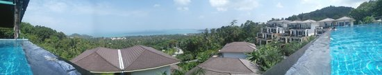 Mantra Samui Resort : View from inside the Infinity Pool