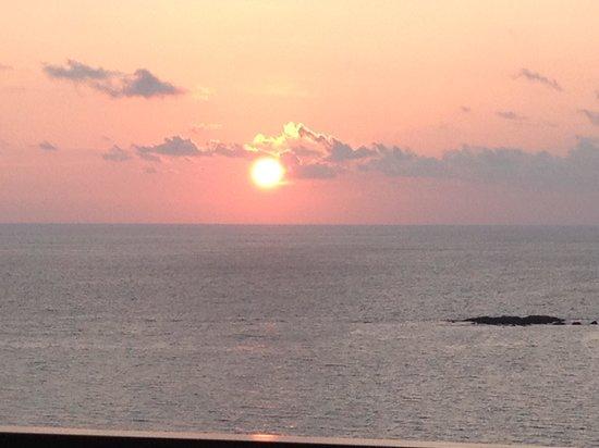 Cape Sienna Hotel & Villas : sunset from balcony