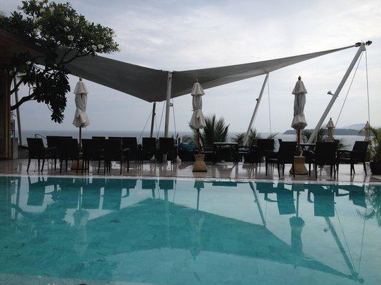 Cape Sienna Hotel & Villas : pool side area