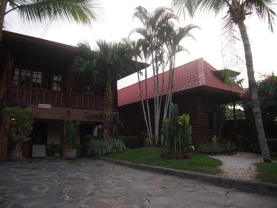Hostel Beach House: exterior