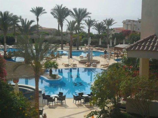 Hilton Sharks Bay Resort : Het Resort binnenplaats