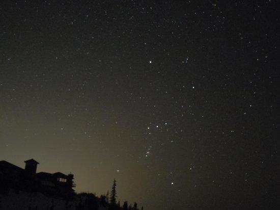 Ski Land: ロッジと星空