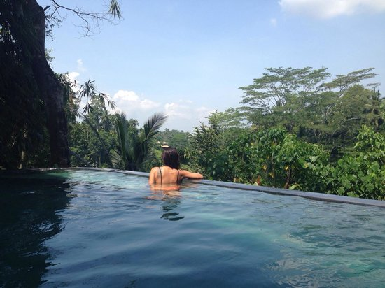 Villa Awang Awang: Villa Melah's pool and that magnificent view!!!!! - Lani and Devon
