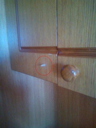 IBEROSTAR Suites Hotel Jardin del Sol: il pomello dell'armadietto mi è rimasto in mano