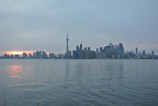 Toronto Bicycle Tours : Another view from the ferry crossing