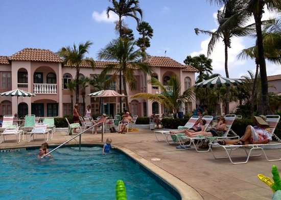 Caribbean Palm Village Resort : Poolside Rooms and Pool area