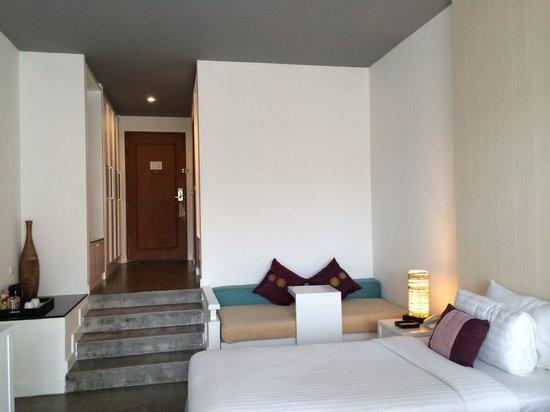 Aonang Cliff Beach Resort: Hotel room