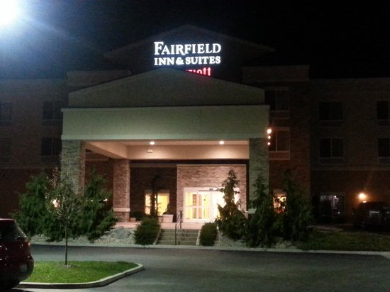 Fairfield Inn & Suites Lewisburg: Entrance