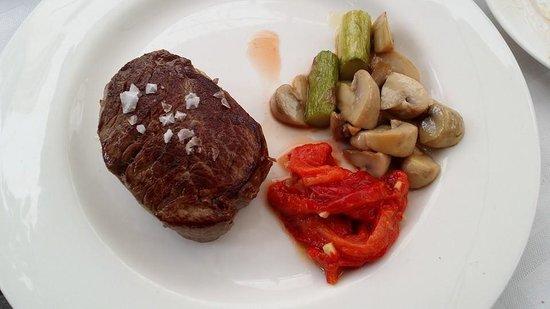 Taberna Luque: Solomillo de Ternera with vegetables