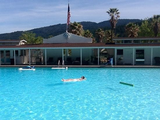 Indian Springs Resort and Spa : takin to the waters :)
