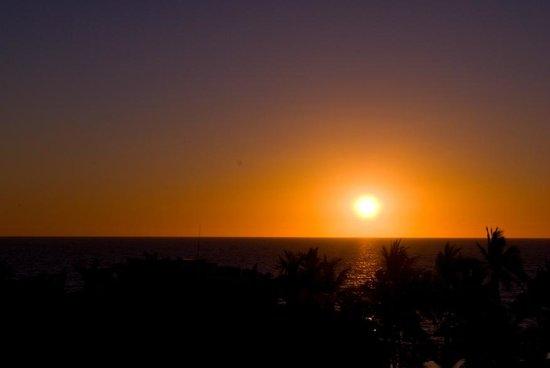 Secrets Vallarta Bay Resort & Spa: Beautiful sunsets