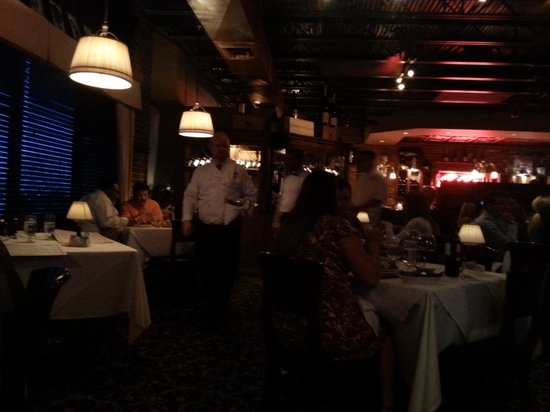 C C 's City Broiler : Dining2