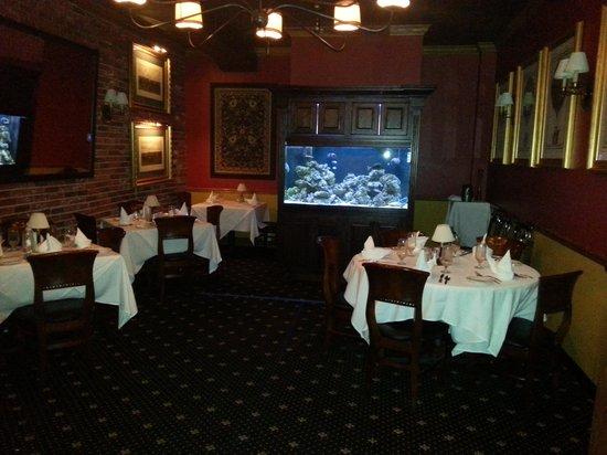 C C 's City Broiler : Dining3