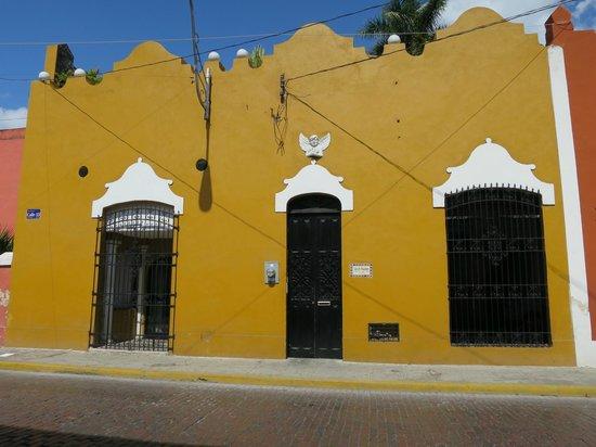 Luz En Yucatan: Entrance