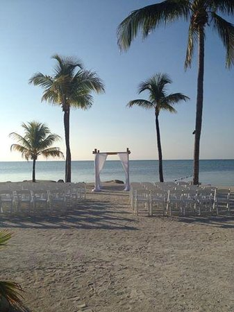 Postcard Inn Beach Resort & Marina at Holiday Isle: Ceremony before guests arrived