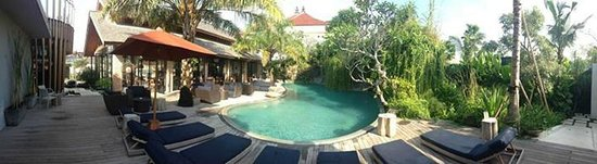 Maca Villas & Spa: Communal Pool!