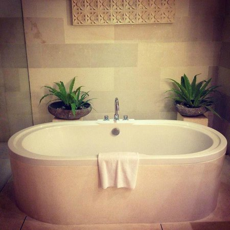 Maca Villas & Spa : Bath