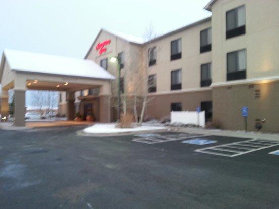 Hampton Inn Laramie: Entrance