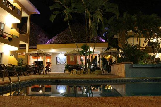 Hotel Chablis Palenque: Pool