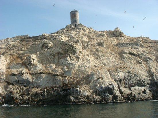 Islas Palomino: Torre no alto de uma Ilha