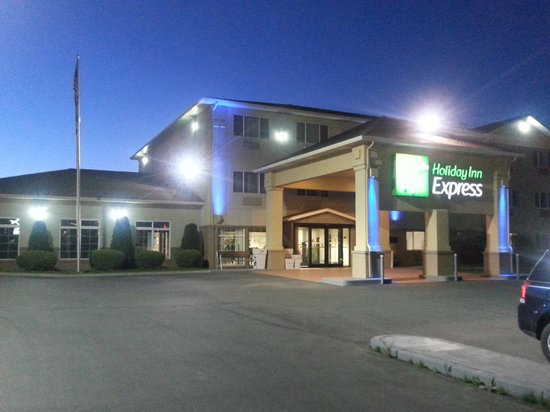 Holiday Inn Express Pendleton : Entrance