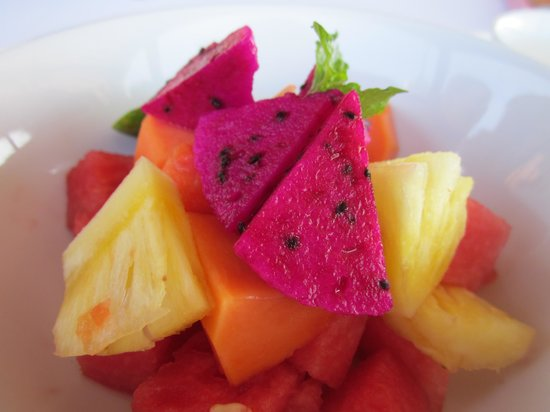 Ko-Ko-Mo Resort: Amazing fruit for breakfast