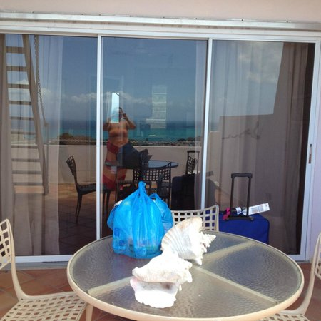 SeaGate Hotel : Second huge sliding glass doors to second sitting room on balcony