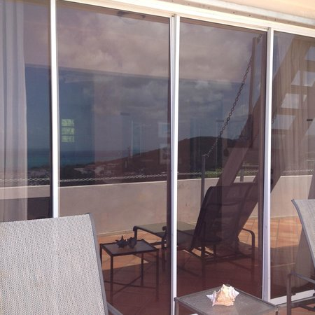 SeaGate Hotel : Huge sliding glass doors to balcony