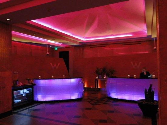 W Minneapolis - The Foshay : Welcome Desk with mood lighting