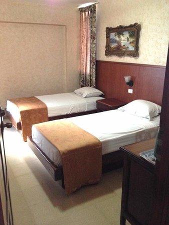 Hotel Acapulco: Habitación dos camas