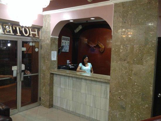 Hotel Acapulco: Recepción