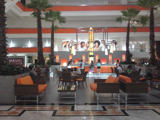 Hotel Riu Caribe: recepcion2
