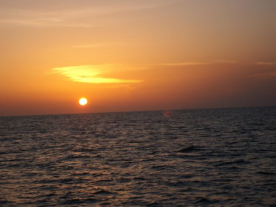 Central Coast Sailing Charters: Peaceful fall sunset