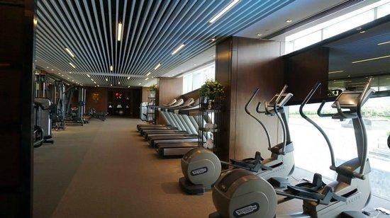 Four Seasons Hotel Shenzhen : Fitness centre