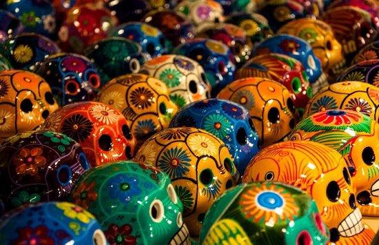 El Paso Saddleblanket: Painted Ceramic Skulls At El Paso Saddle Blanket